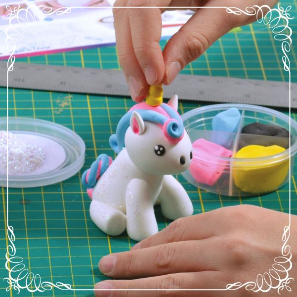 Idee regalo originali - Troppotogo.it - Kit per costruire un unicorno con la plastilina