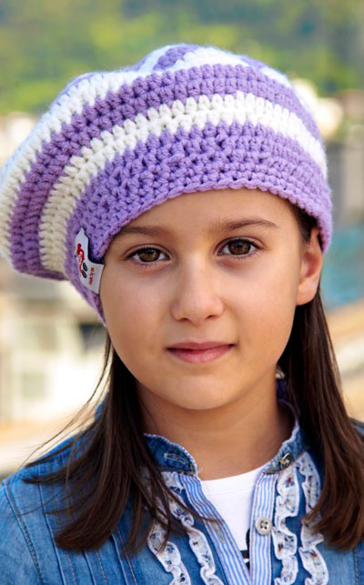 Cappello per bambina all'uncinetto
